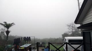 深く濃い霧に覆われ、視界も悪くなっていた4/6の八丈島