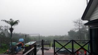 湿度も高く霧も濃くなったりもしていた4/14の八丈島