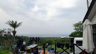 時折日差しは差し込むが風は涼しくなっていた5/5の八丈島