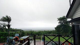 風も強まり雨も降り荒れた天気となっていた6/3の八丈島