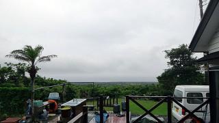雨は上がるが雲は晴れずだった6/10の八丈島