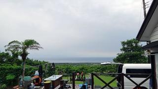 明け方土砂降り降るものの次第に空は明るくなっていた6/23の八丈島