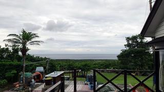 空は次第に暗くもなって雨も降りだしてきていた6/26の八丈島