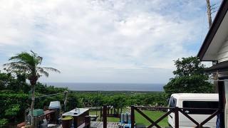 西風強く吹いてはいるが空は少し明るくなっていた6/28の八丈島