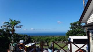 日中は雲が多いが青空すっかり夏のような感じだった6/29の八丈島
