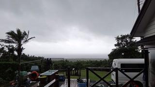 強まる風が吹き続き荒れた天気となっていた7/1の八丈島