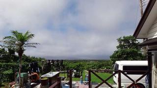 風は弱くて青空もあって夏の陽気となっていた7/8の八丈島