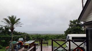 強まる風だが雨はほとんど降ってもいなかった7/16の八丈島