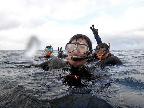 みんなで海を楽しんで