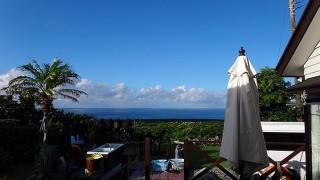 青空あるが時折まとまった雨も降っていた8/4の八丈島
