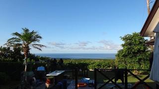 弱い風と強い陽ざしで暑さも続いていた8/7の八丈島