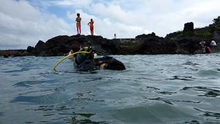 嵐の前の雲行きとなっていた八丈島、濁りの神湊とアライケでOWD講習