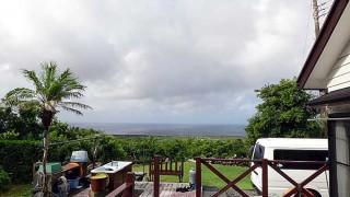 雲も広がり一時雨は降るものの青空もあった8/11の八丈島