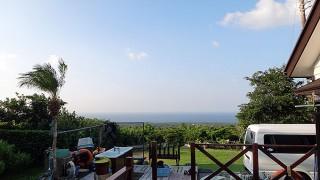 風は強いが天気は良くて青空も広がっていた10/9の八丈島
