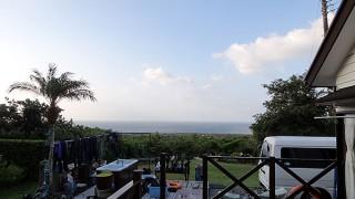 広がる青空気持ちはよいが風はとっても涼しくなっていた10/25の八丈島