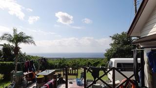 青空続きカラッと爽やかな一日となっていた10/26の八丈島