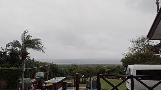 小雨パラつきどんよりとした空模様となっていた12/12の八丈島