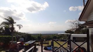 青空あって日差しは暖かだが風は強まってもいた1/7の八丈島