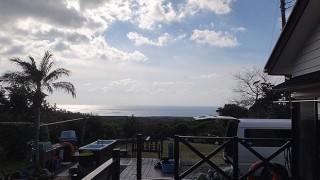 雲は次第に広がるが日中は暖かだった1/17の八丈島