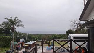 雲も広がり雨も降りだしてきていた1/23の八丈島