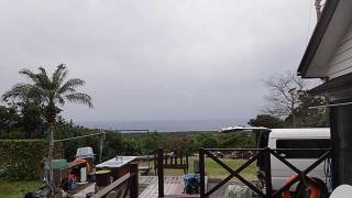 次第に空は暗くもなって雨もパラついてきていた2/5の八丈島