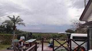 寒さ厳しく雨も降ってきていた2/8の八丈島