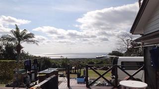 青空広がり気温も上がり暖かくなっていた2/12の八丈島