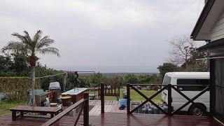 広がる雲は低くもあってスッキリとしない空模様だった2/28の八丈島