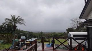 強まる雨と強まる風で荒れた天気となっていた3/7の八丈島