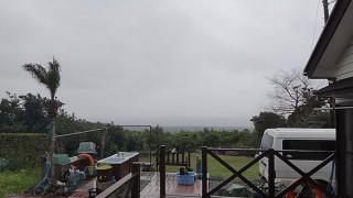雨はそんなに降らないが南からの風が強まっていた4/7の八丈島