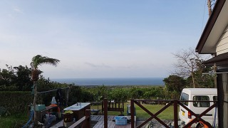 寒の戻りで風は冷たく気温もあまり上がってこなかった4/12の八丈島
