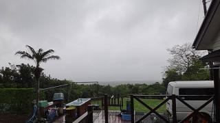 朝から雨は降りやまず風も強まってきていた4/25の八丈島