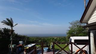 次第に雲は多くはなるが青空も広がっていた5/8の八丈島