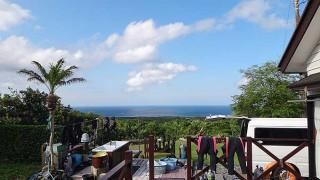 日中は青空広がり暑いくらいの陽気なっていた5/22の八丈島