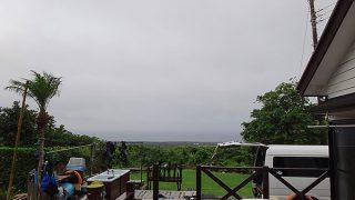 少し空は明るくもあるが雲も広がり蒸し暑かった7/12の八丈島
