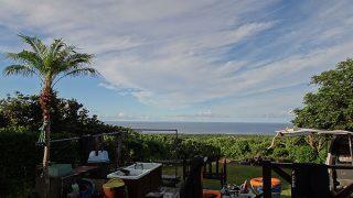 晴れ間はあるが土砂降りの雨も降る落ち着かない空模様だった8/4の八丈島