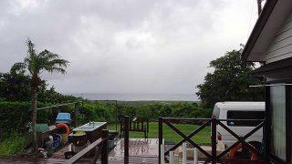 次第に風も強まって雨も強めで吹いてもきていた8/16の八丈島