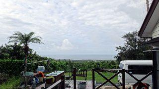 雲は多いが風も穏やかになってきていた8/23の八丈島