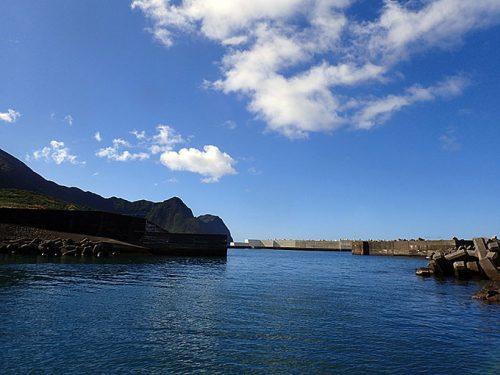 朝の八重根漁港