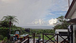 朝晩雨は降るものの日中は青空もあった9/14の八丈島