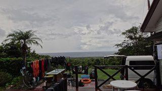 概ね曇りで時々強めの雨も降っていた9/19の八丈島