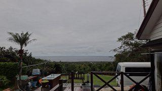 雨は降ったり止んだりでグズついた空模様となっていた11/27の八丈島