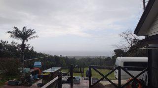 雲は広がり雨も降りグズついた空模様となっていた4/9の八丈島