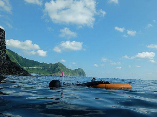 穏やかな八重根の海をグルッと周り