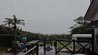 風は南になるもののグズつく天気で涼しくもなっていた6/8の八丈島