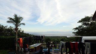 山の上には雲はあるが青空あって暑さも続いてた7/24の八丈島
