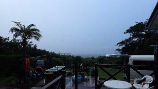 朝方雨は強まるが日中は青空も見られた8/3の八丈島