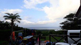 早めのうちは雲が多いが日中は青空広がっていた8/13の八丈島