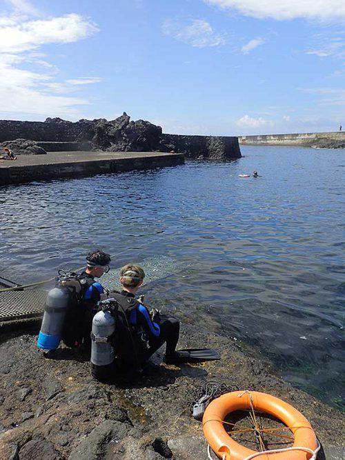 今日も凪いでた八重根で体験ダイビング
