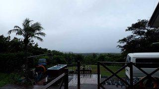 時間ともに風は強まり時折まとまった雨も降ってきていた8/31の八丈島